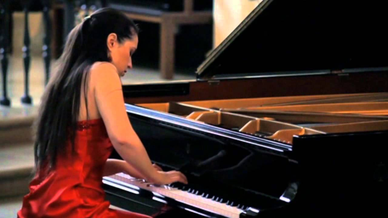 Inga Fiolia- Haydn Piano Sonata, C major no.60 (London Recital)