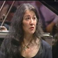 (BBC Proms) Argerich Plays schumann piano concerto, it's a extraordinary version !!!