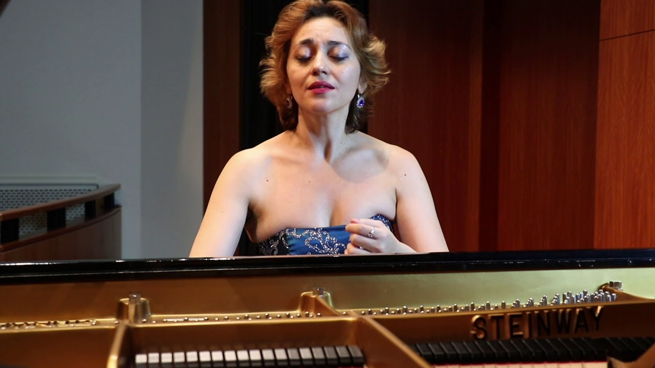 Pianist, Karine´ Poghosyan performs Liszt Hungarian Rhapsody No.12