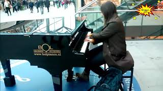 Amazing Beauty Girl Pianist surprises people on street