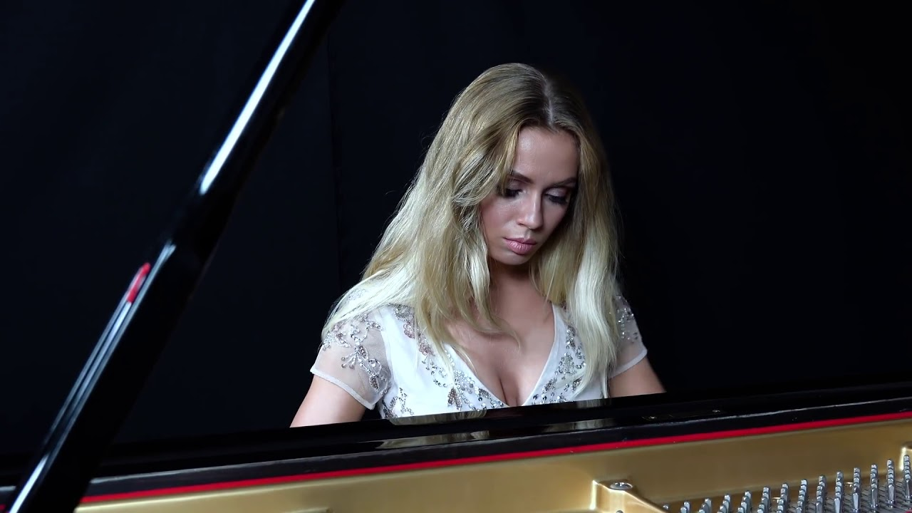 Anastasia Huppmann – Ludwig van Beethoven's Piano Sonata No. 30 in E Major, Op.109