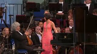 Yuja Wang plays Prokofiev's Stalingrad!Powerful Bass!