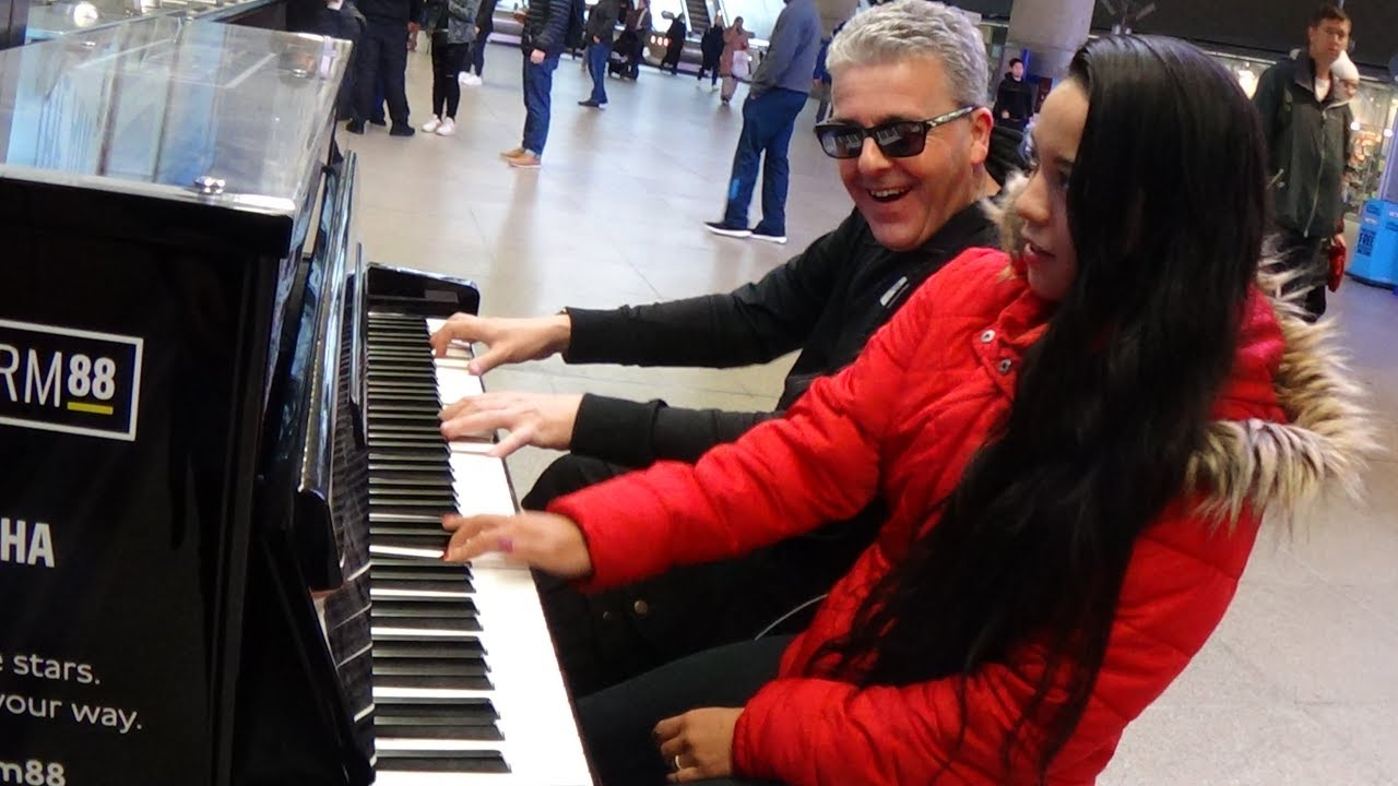 Meeting a Boogie Woogie Girl at the Street Piano